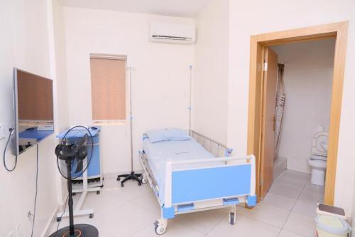 CedarcareHospital DSC 10115